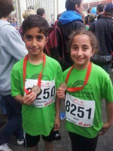 Geschwister Emîrcan und Rojîn Alaca (privat)