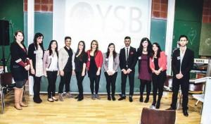 Yezidische StudentInnen Bremen; (von l. n. r.) Julia Schoetzau, Nezîha Ciftcî, Sozdar Tunc, Nauaf Raschu, Esmer Tunc, Zekiya Göktaş, Berivan Tunc, Şêx Fîras, Zozan Özdogan, Mazmiya Tunc und Serhat Agam | Foto| JiyanVideo